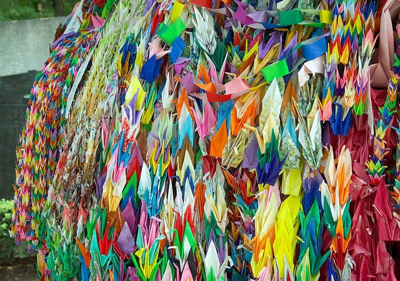 the story of sadako sasaki and the thousand paper cranes