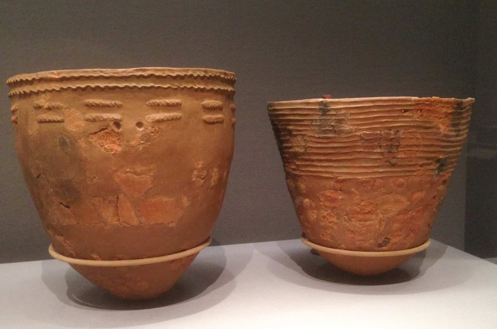 The history of Japanese art begins with Jomon pottery.