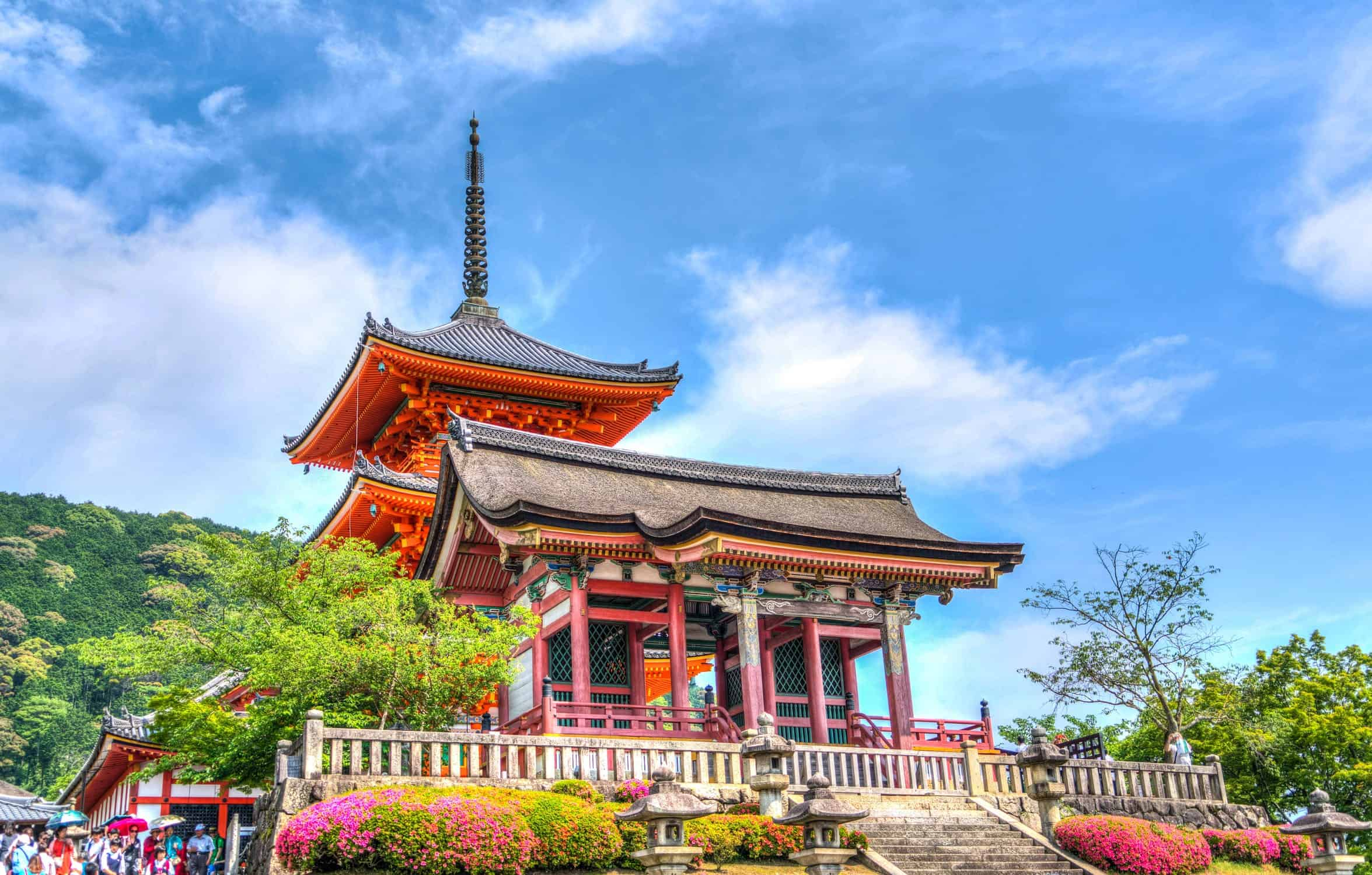 Alternative time to travel to Japan; Summer