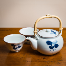 Manryo Japanese Tea Set lifestyle
