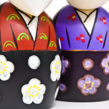 Large Happy Life Together Kokeshi Doll Set detail