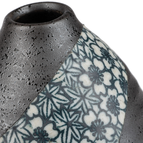 Charcoal Floral Mini Japanese Vase detail